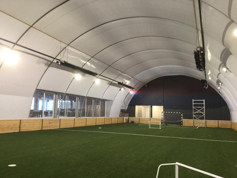 balon hala fudbalska sa otvorom za letnje periode